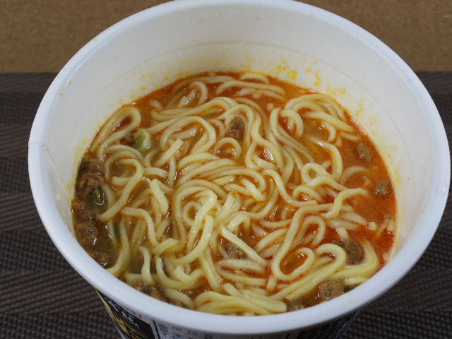 日清 鳴龍担担麺5